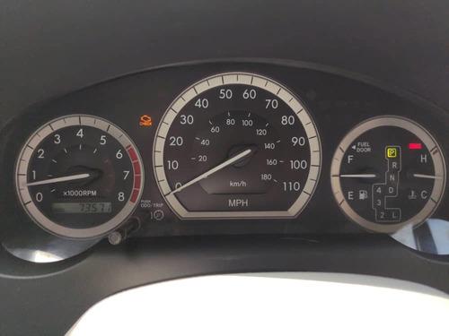 toyota sienna año 2.006 con 73.000 millas