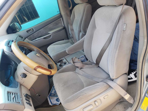 toyota sienna inicial 150,000