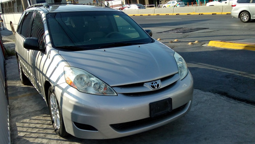 toyota sienna le, 2010. aa ee at