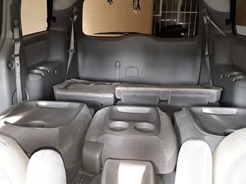 toyota sienna le aa ee at 2006