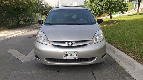 toyota sienna le aa ee at 2007
