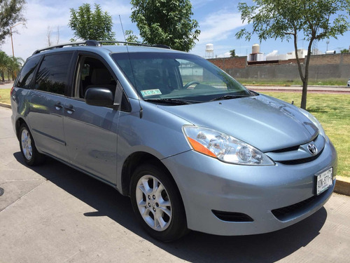toyota sienna xle at 2006
