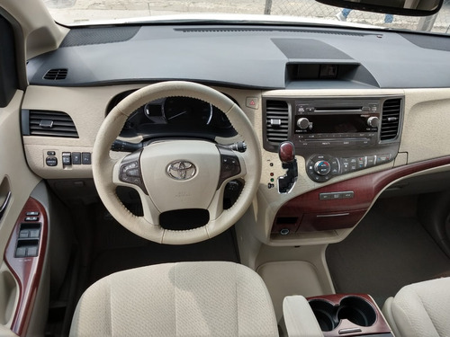 toyota sienna xle at