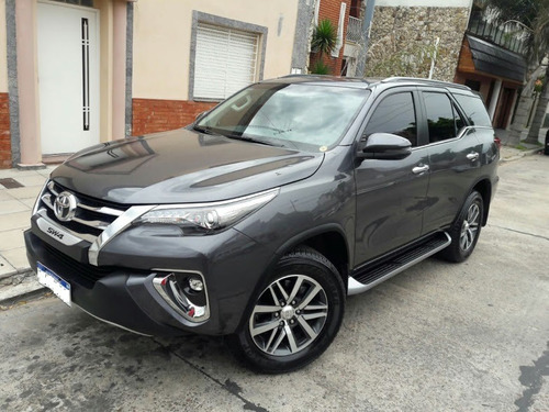 toyota sw4 2.8 srx 177cv 4x4 7as at         factura a
