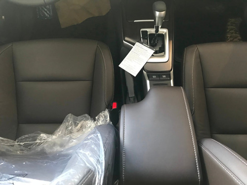 toyota sw4 automatica 7 asientos  hs
