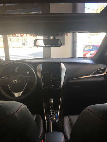 toyota yaris 1.5 107cv xs sedan