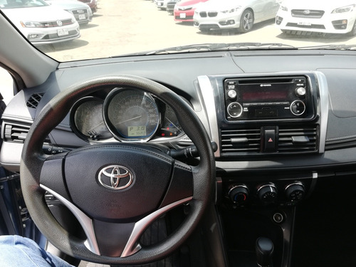 toyota yaris 1.5 core at sedan cvt 2017