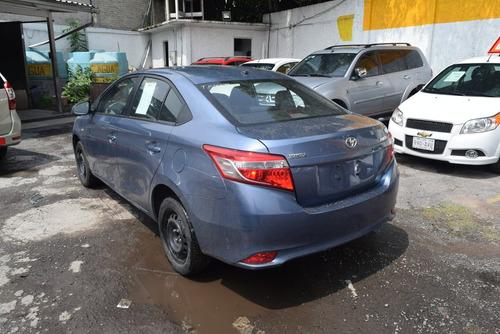 toyota yaris 1.5 core at sedan cvt azul