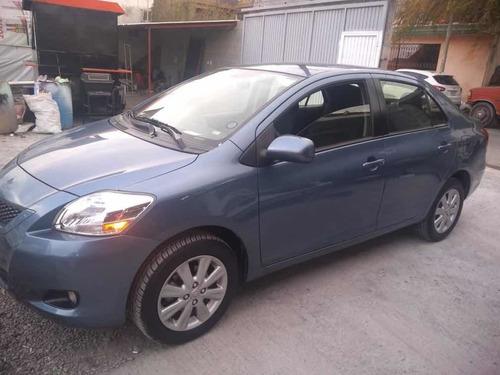 toyota yaris 1.5 premium sedan at 2015