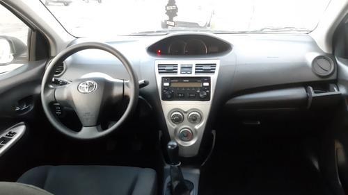 toyota yaris 1.5 premium sedan mt 2015