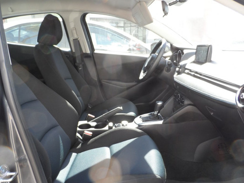 toyota yaris 1.5 r xle at