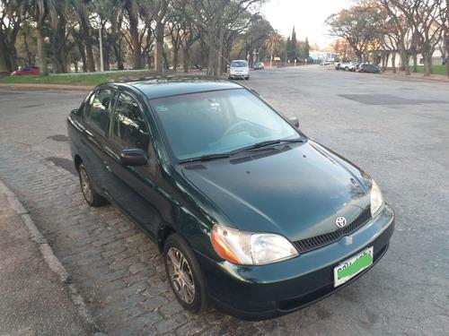 toyota yaris 1.5 sedán 2000 - 5 puertas