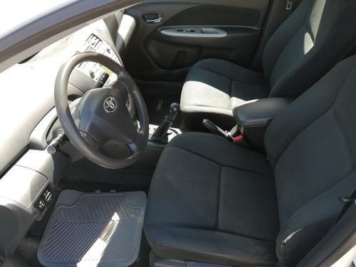 toyota yaris 1.5 sedan premium 5vel aa ee ra mt 2011