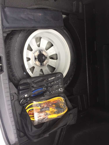 toyota yaris 1.5 sedan premium 5vel aa ee ra mt 2013