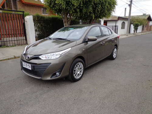 toyota yaris gli sedan automatico 2019