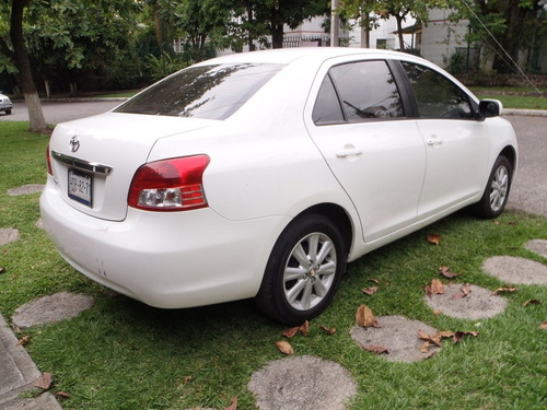 toyota yaris premium 39000km muy poco uso como nuevo