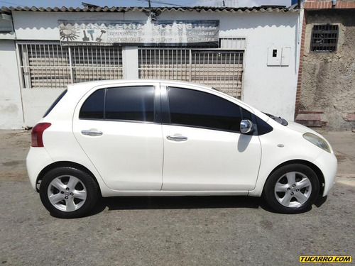 toyota yaris sincronico