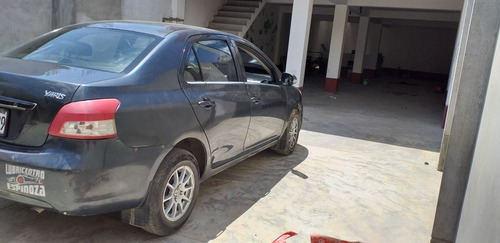 toyota yaris2013 sedan