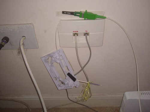 trabajos con fibra óptica, reparación de internet, wifi, etc