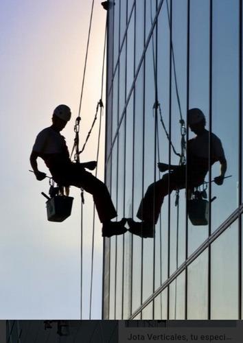 trabajos en altura y a pie firme