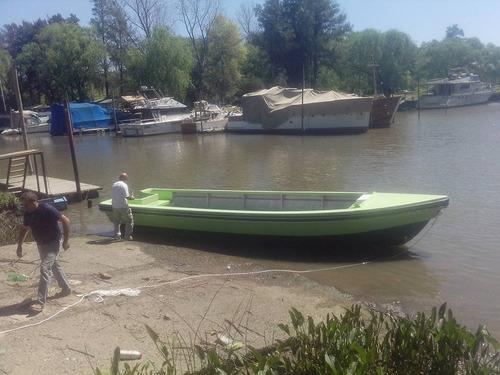 tracker comercial 8.40 mts ideal guías pesca avistajes 2020
