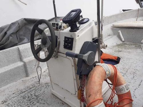 tracker lancha embarcación de pesca 6 mts yamaha 50hp 4t