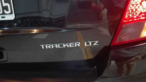 tracker ltz 2015 color negro 57.000 km  520.000 y cuotas