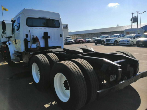 tracto camion freightliner m2 106, 6x4, año 2006
