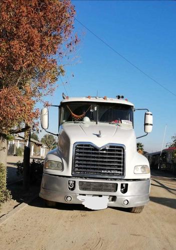 tracto camión mack
