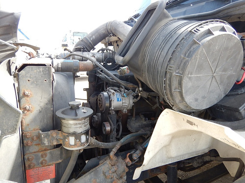 tractocamion 2006 international 8600 gm106473
