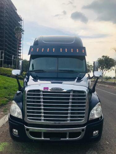 tractocamion freightliner cascadia