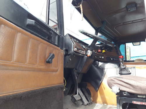 tractocamion freightliner fld120