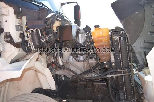 tractocamion international 8600 kenworth volvo