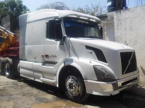 tractocamion volvo 2006