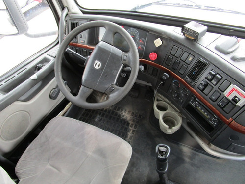 tractocamion volvo day cab  2007 ideal para volteo motor isx