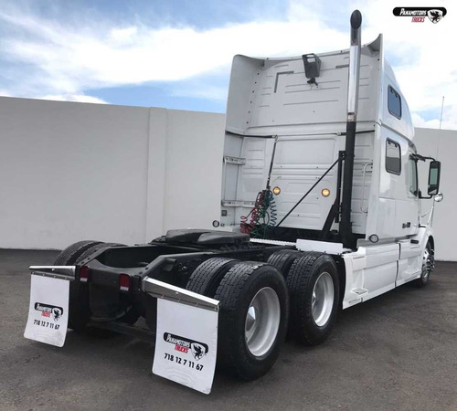 tractocamion volvo vnl  2009 blanco