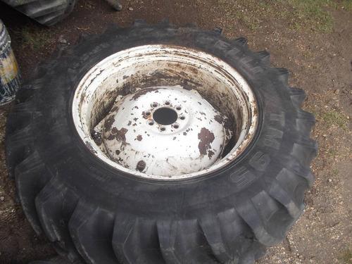 tractor    1000 dolares