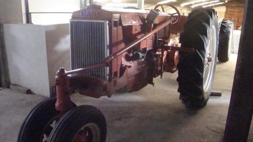 tractor antiguo  case. triciclo.
