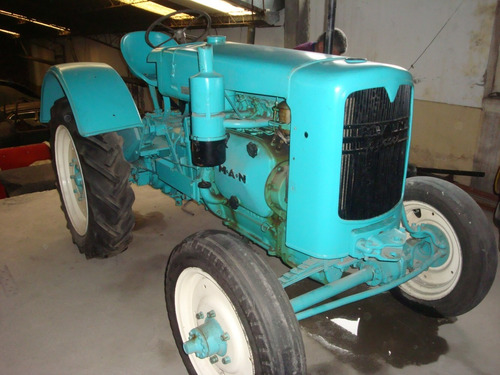 tractor antiguo m.a.n. 1940.