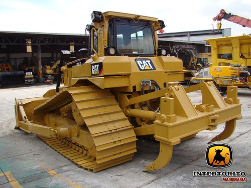 tractor bulldozer caterpillar d6t lgp 2011 cat d5m d7