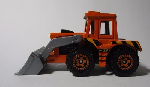 tractor cargador escala 7cm largo coleccion matchbox 1/64