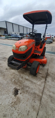 tractor con pastera marca kubota, diésel
