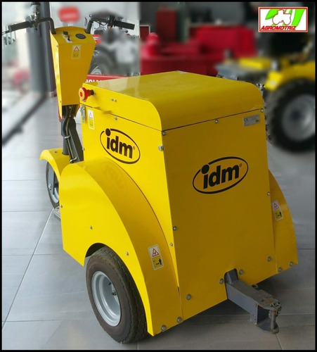 tractor eléctrico invernadero capacidad de arrastre de 3.5t