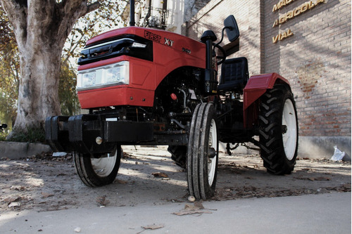 tractor first xt 220   22 hp  4x2   tres puntos   hidráulico