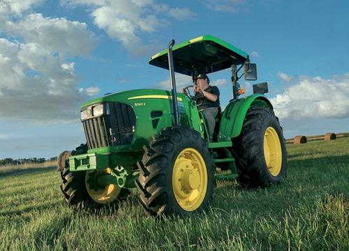 tractor john deere 5082e 4x4, 82 hp cabina o techo