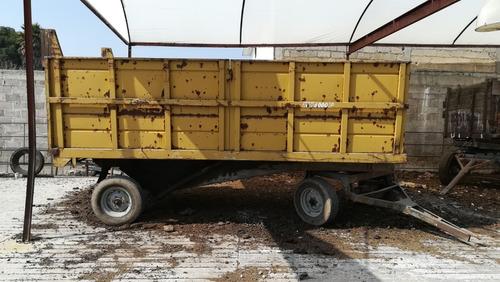 tractor john deere, arado, rastra, aspersor, remolque