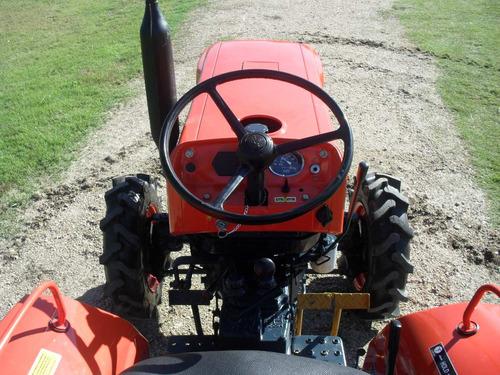 tractor kubota l 1501 4x4 con chirquera nueva incluida.