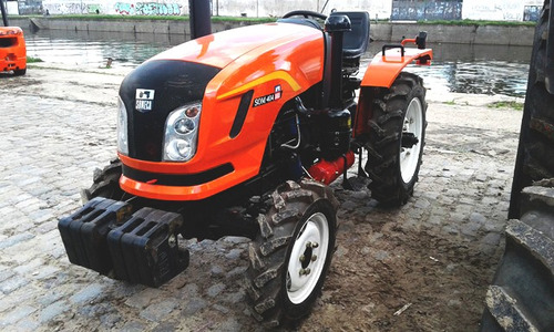 tractor maquinaria agrícola