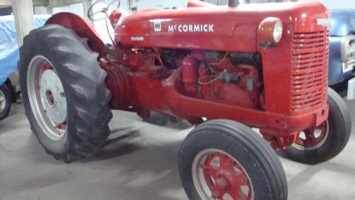 tractor mc cormick 1942.
