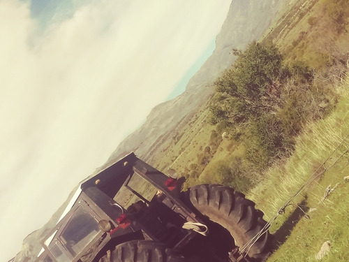 tractor (tractorista) para chubut . siembra. feedlot. viñedo